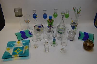 Lot 306 - Mixed glassware