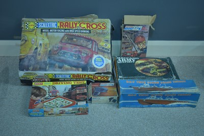 Lot 1117-Assorted games, models, and constructor kits, 1960's/1970's