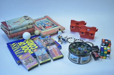 Lot 1119-View-master; marbles etc.