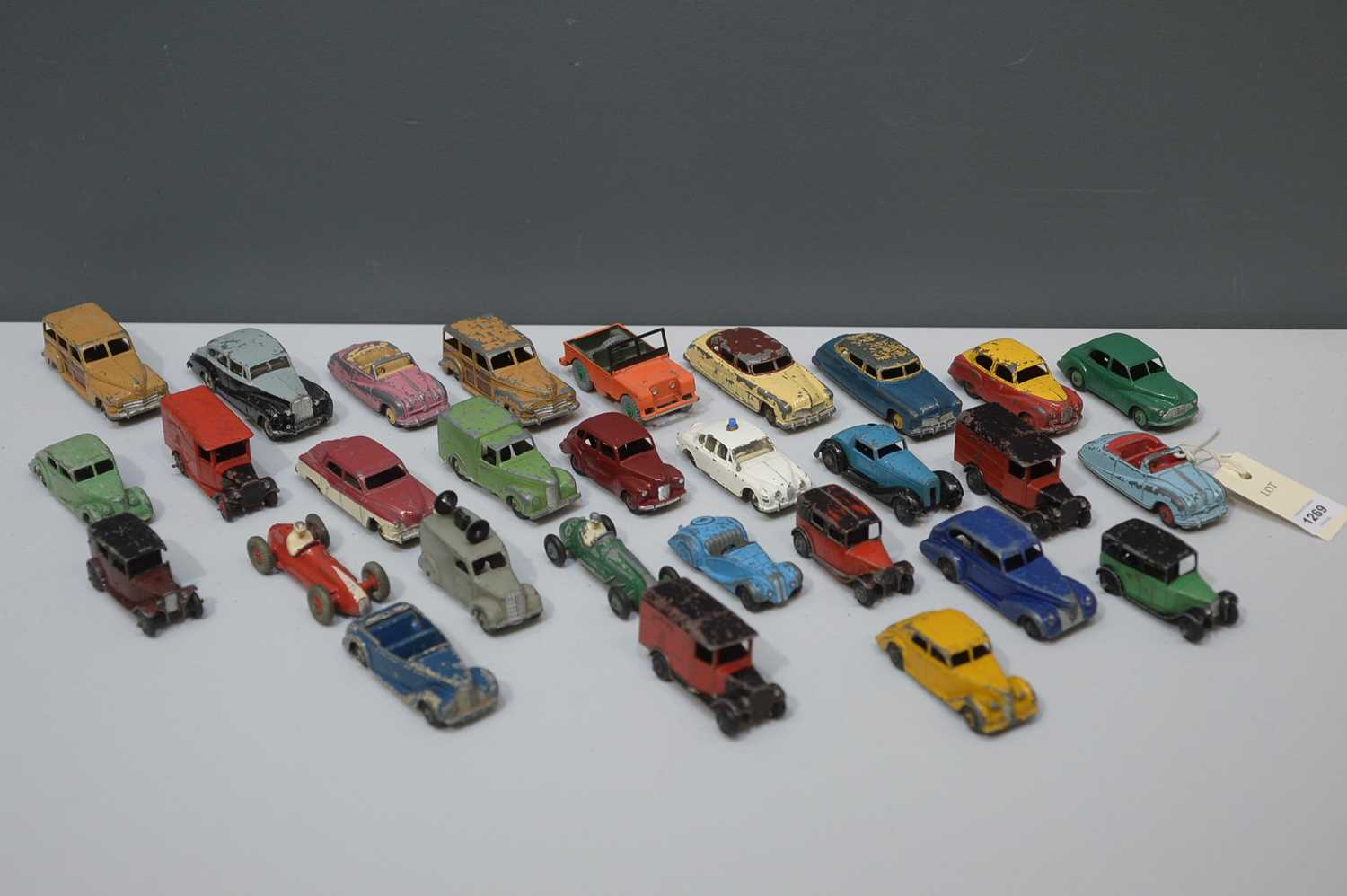 Lot 1269 - A box of Dinky Diecast car
