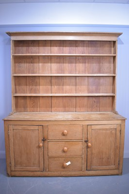 Lot 485 - Pine dresser