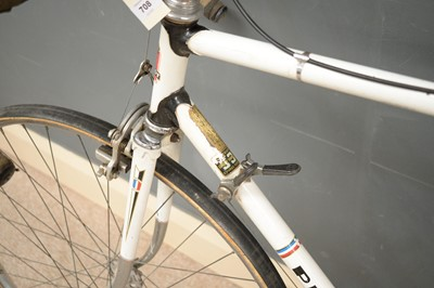 Lot 708 - A Peugeot P10 racing bicycle.
