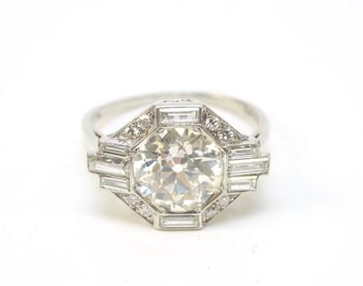 Lot 7 - An Art Deco diamond ring