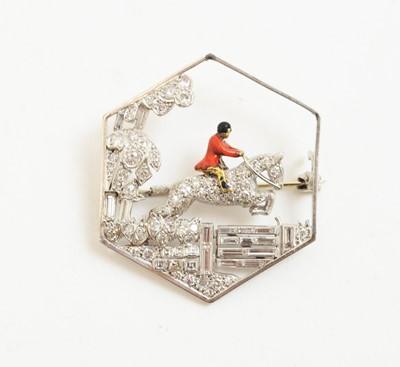 Lot 4 - Art Deco diamond hunting brooch