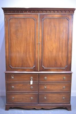 Lot 532 - Reproduction mahogany wardrobe