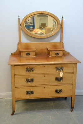 Lot 166 - Edwardian dressing chest of drawers