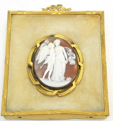 Lot 13 - A fine 19th C carved shell cameo brooch.