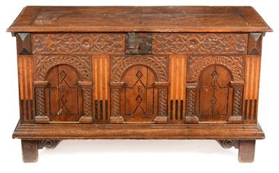 Lot 846 - 18th Century oak coffer