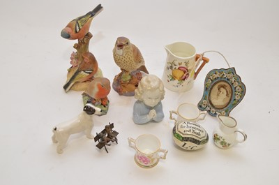 Lot 324 - A Staffordshire darning egg and other items