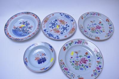 Lot 186 - Chinese and Imari plates and bowls.
