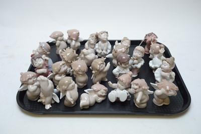 Lot 267 - Twenty-five assorted Nao figurines.