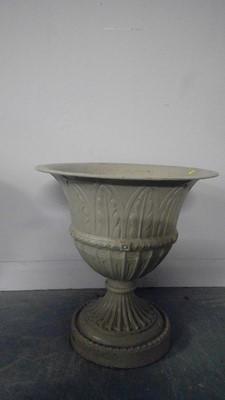 Lot 549 - A cast metal urn
