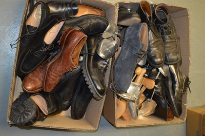 Lot 138 - Large quantity of gent's shoes and shoe trees.