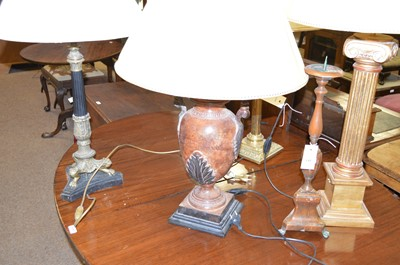 Lot 148 - A selection of table lamps.