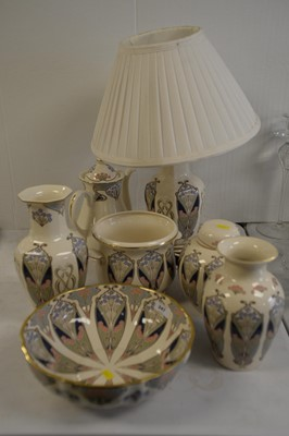 Lot 247 - A selection of Masons Ironstone 'Liberty Ianthe' pattern pottery.