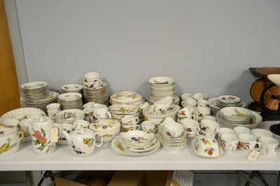 Lot 295 - A large collection of Worcester 'Evesham' pattern fireproof oven-to-tableware.