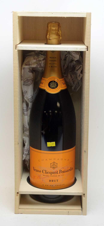 Lot 30 - Champagne Veuve Clicquot Ponsardin Brut NV