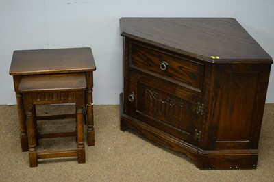 Lot 30 - Jaycee television cabinet/stand; and nest of two oak occasional tables.