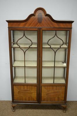 Lot 82 - 20th Century mahogany display cabinet