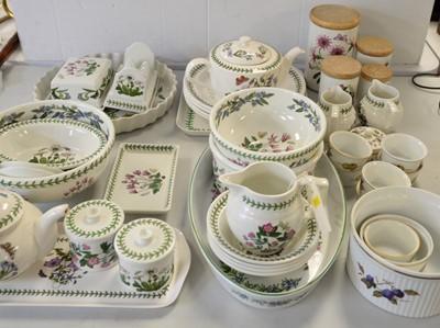 Lot 437 - Portmeirion 'Botanic Gardens' pottery