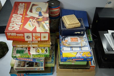 Lot 292 - A quantity of boxed games and toys.