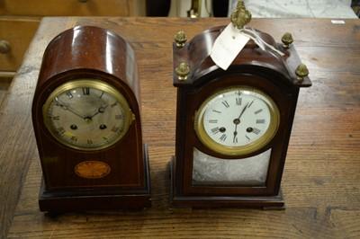 Lot 147 - Two mantel clocks.