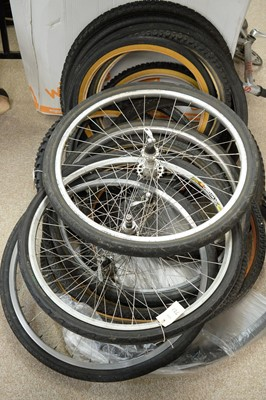 Lot 721 - Five 23in. mountain bike wheels; and sundry tyres.