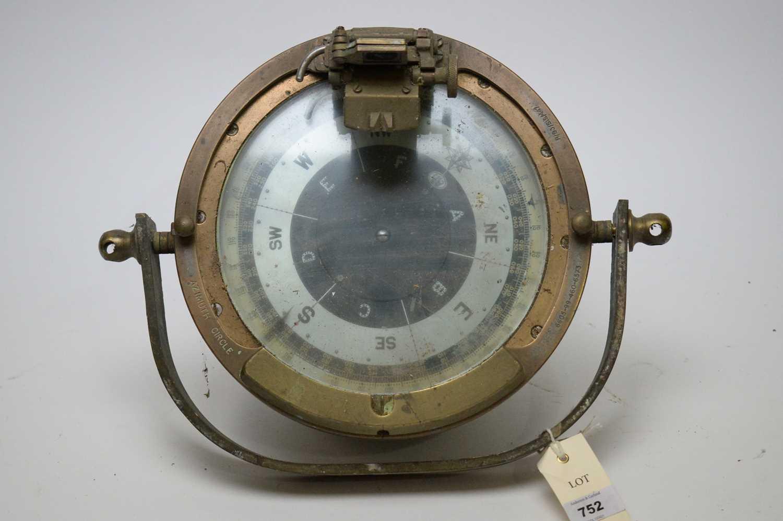Lot 752 - A ship's compass.