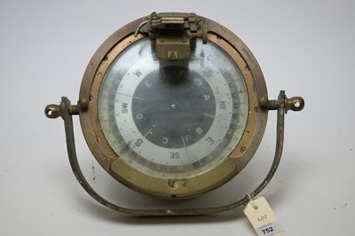 Lot 752 - A ship's compass.