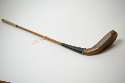 Lot 773 - A golf putter attributed to Hugh Philp