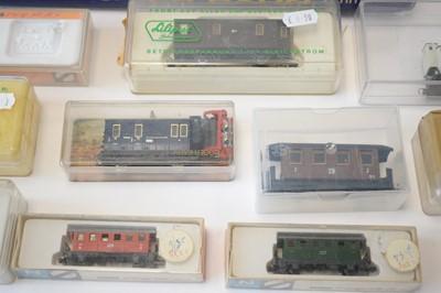 Lot 845 - N-gauge model railway equipment.