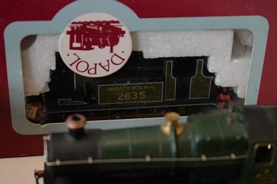 Lot 846 - 00-gauge model railway locomotives and rolling stock.
