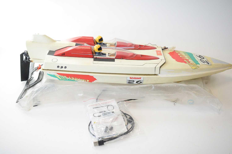 """Lot 856 - A model speedboat """"Jet Arrow""""."""