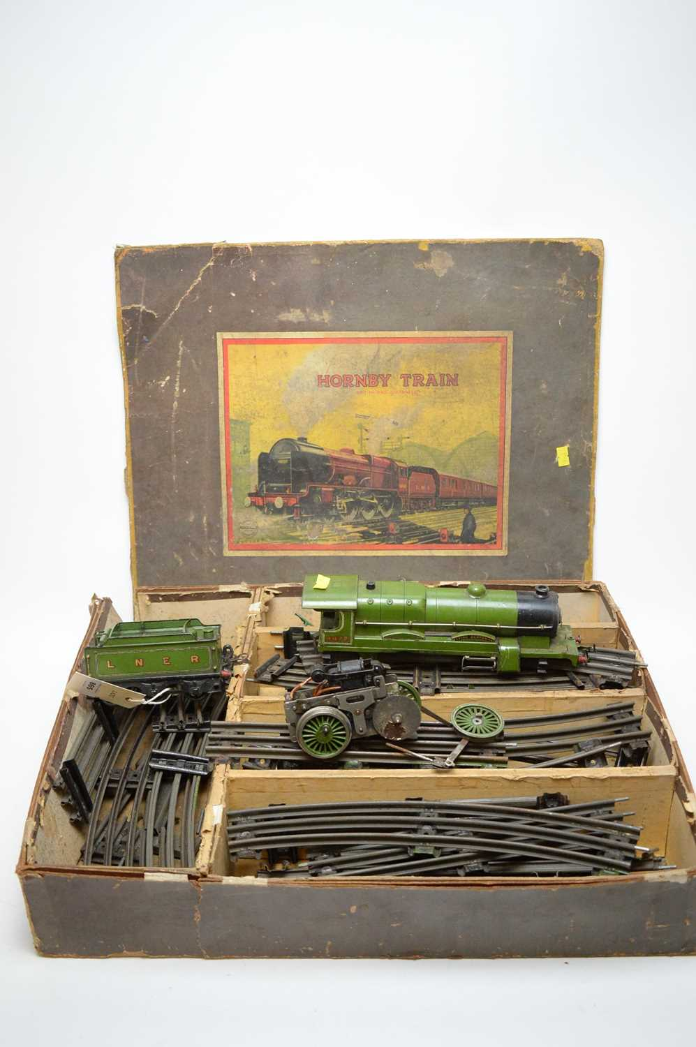 Lot 865 - Hornby 0-gauge electric part train set; and other related items.