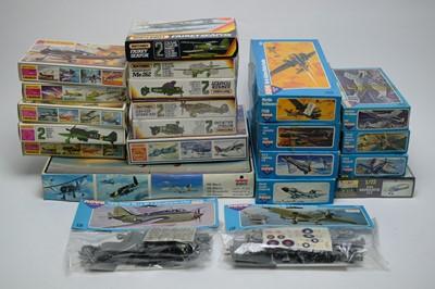 Lot 870 - 1:72 scale plastic construction kits.