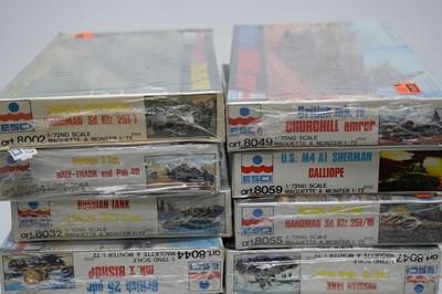 Lot 876 - 1:72 scale plastic construction kits.