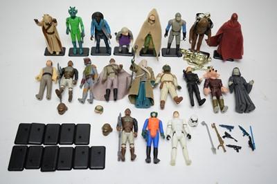 Lot 949 - Twenty Star Wars figures