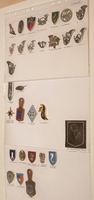 Lot 1188 - A collection of 23 French Chasseurs and Hussars pocket crests.