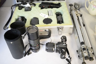 Lot 355 - A Nikon 35mm camera and other cameras