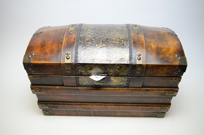 Lot 292 - Reproduction chest.