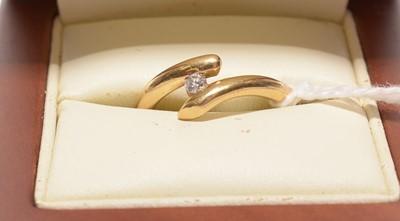Lot 187 - Single stone diamond ring.