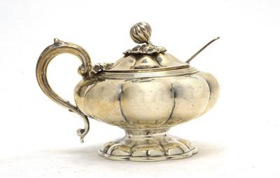 Lot 152 - An early Victorian silver mustard pot.