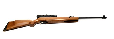 Lot 1002 - SMK19 air rifle with scope