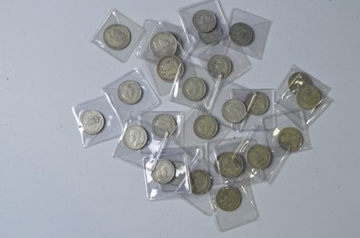 Lot 207 - 4 half-crowns and 22 two-shillings
