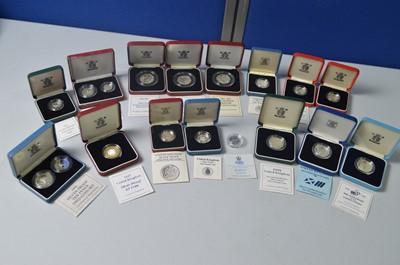 Lot 197 - Silver proof 50p's, £1's and others