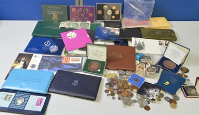 Lot 195 - A selection of proof sets, coin covers and...