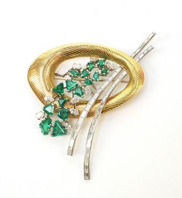 Lot 2 - An Art Deco diamond, emerald and yellow metal brooch.