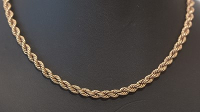 Lot 187 - 9ct yellow gold twist pattern chain necklace
