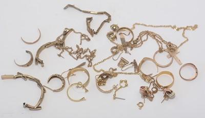 Lot 157 - Gold jewellery
