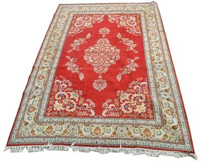 Lot 672 - Fine Kashan carpet